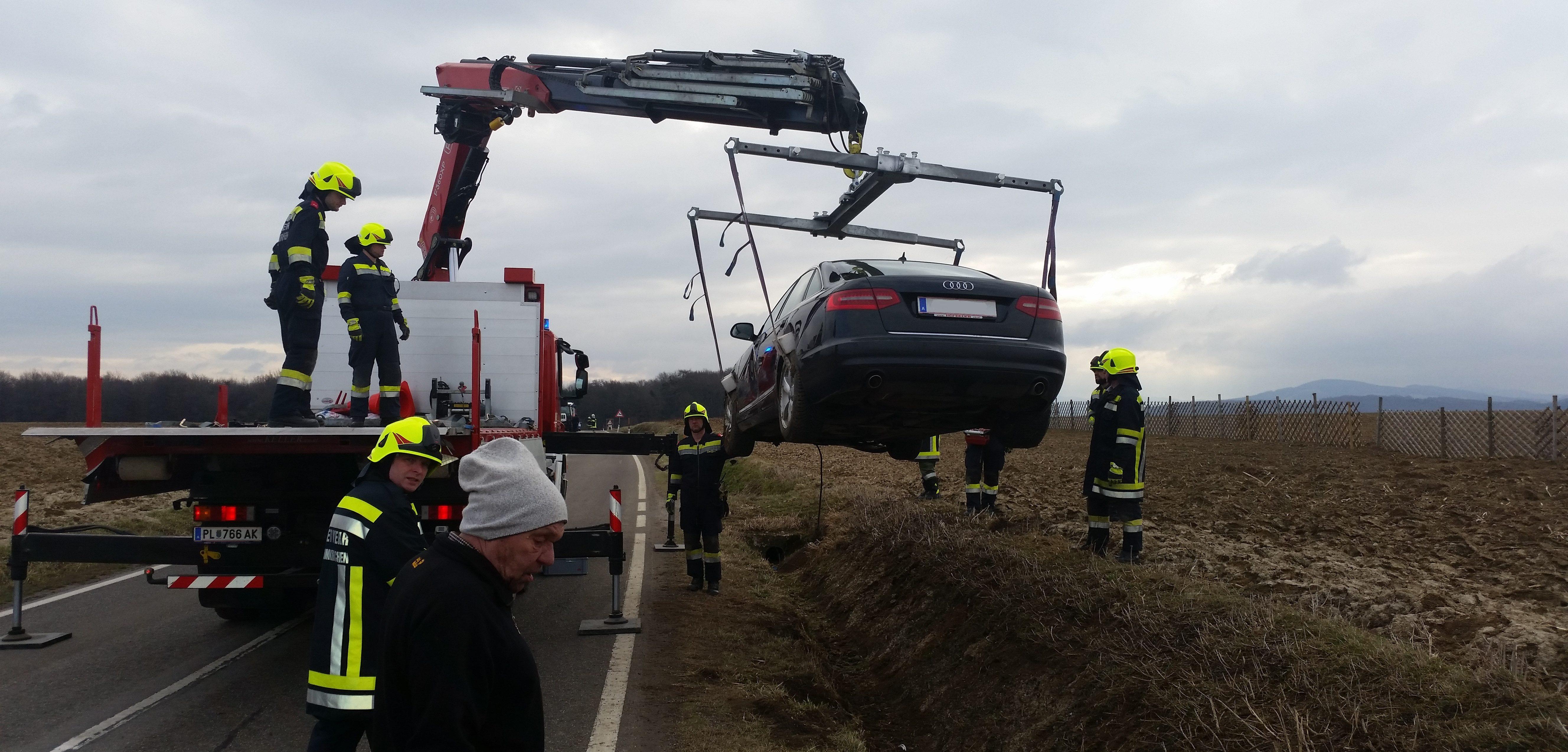 Fahrzeugbergung auf L129 - 07.03.2017